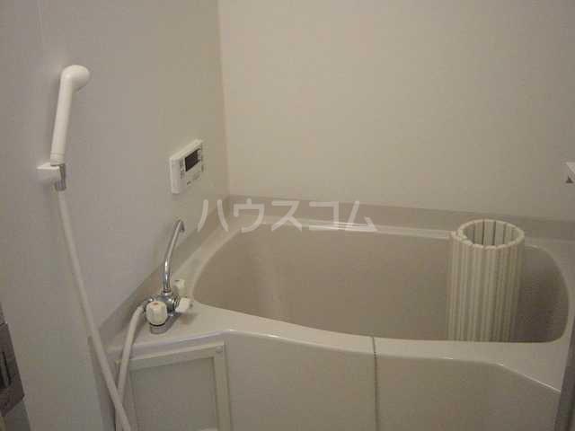 サープラスⅡ曙 201号室の風呂