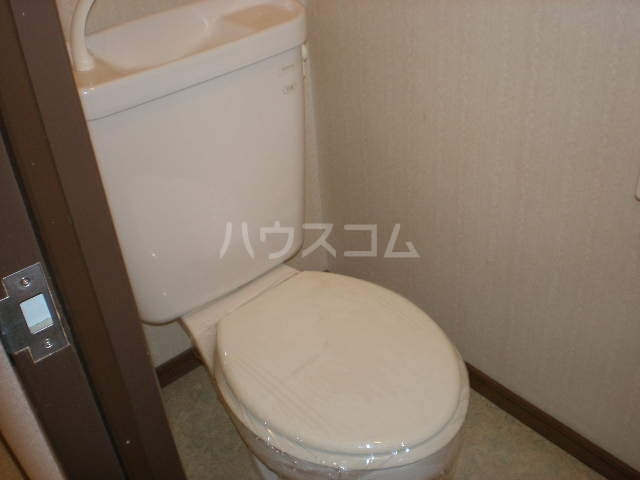 サープラスⅡ曙 201号室のトイレ