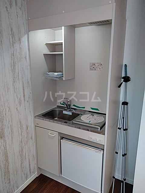プラージュ鶴間 204号室のキッチン