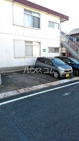 第二金子荘 101号室の駐車場