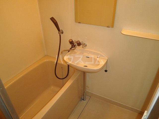 ユーハウス 107号室の風呂