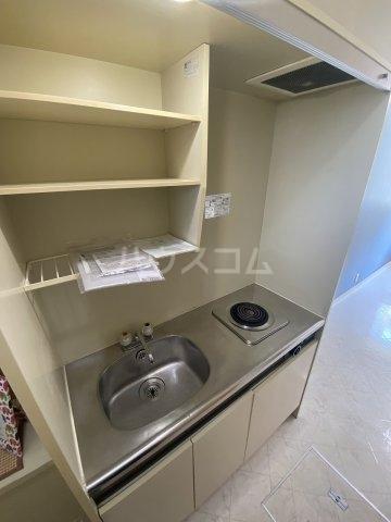 メゾン・ド・トワレ 102号室のキッチン