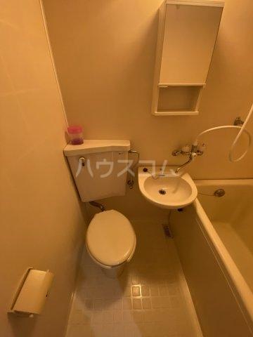 メゾン・ド・トワレ 102号室のトイレ