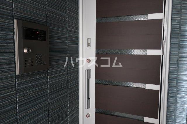 ブリリアントアパートメント伝馬 101号室のエントランス