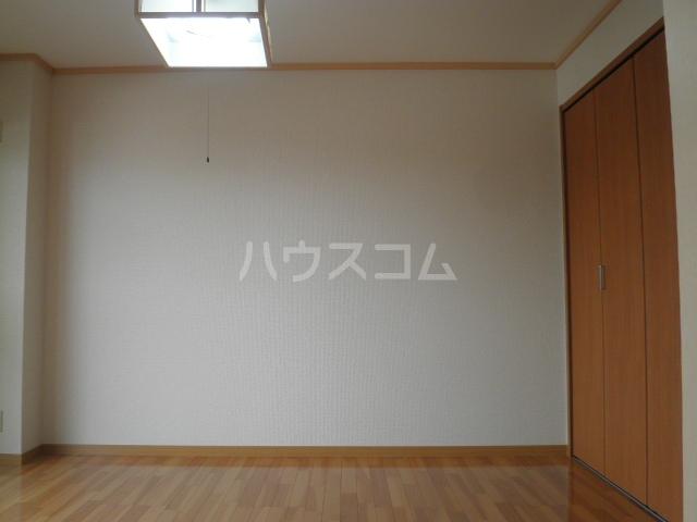 グランメール27 111号室のリビング