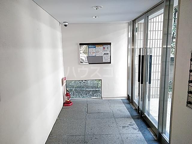 メゾンヴァンテアン 302号室のロビー