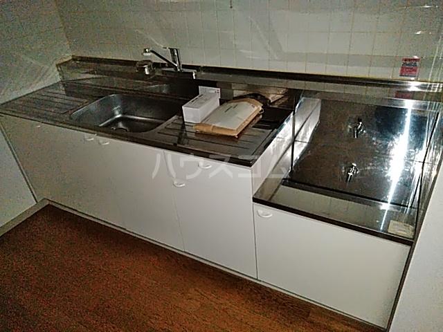 メゾンヴァンテアン 302号室のキッチン