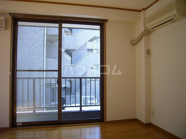 ライフモリ2号館 202号室のバルコニー