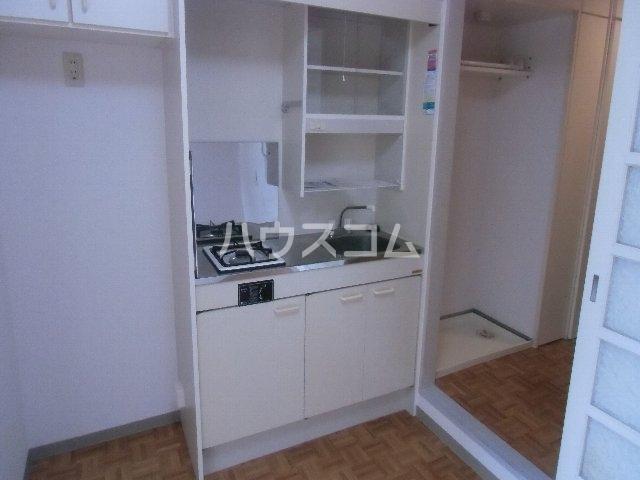 サンピア横須賀 602号室のキッチン