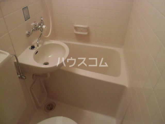 サンピア横須賀 602号室の風呂