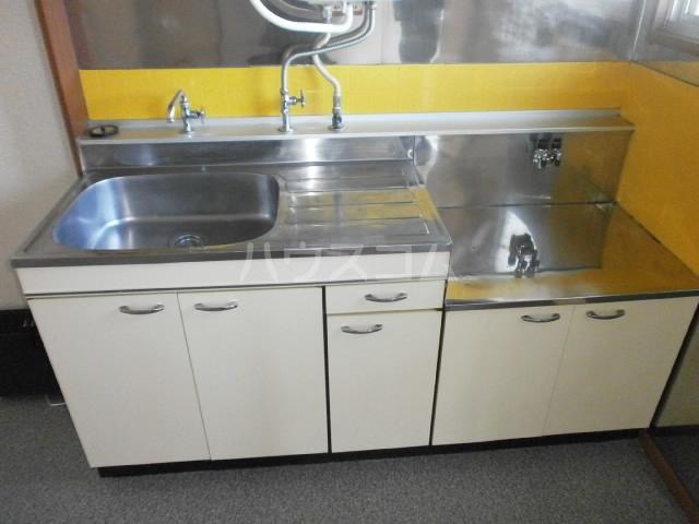 カントリーハイツ 201号室のキッチン