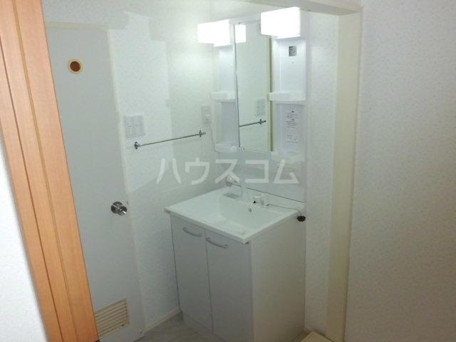 レガシィハイツ 602号室の洗面所