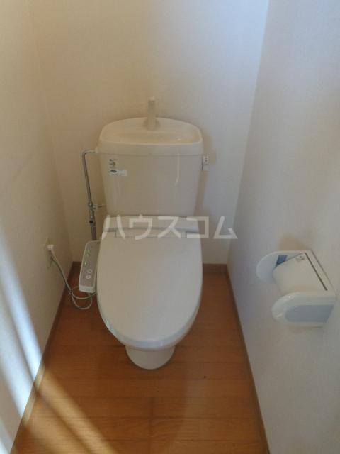 ミレニアムハイツ 101号室のトイレ