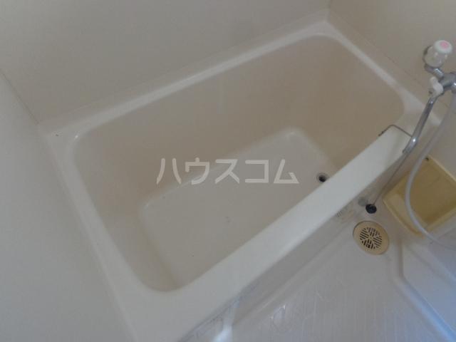 ミレニアムハイツ 101号室の風呂