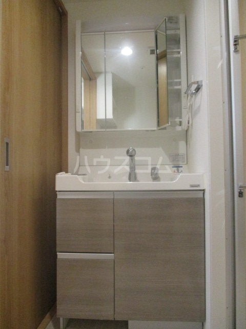 アルページュ 102号室の洗面所