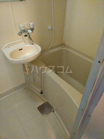 シーサイドパレス 301号室の風呂