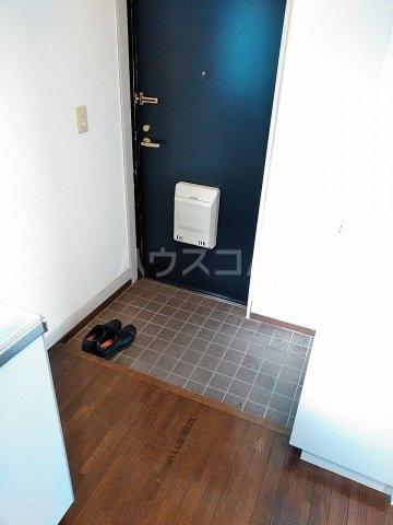 シーサイドパレス 301号室の玄関
