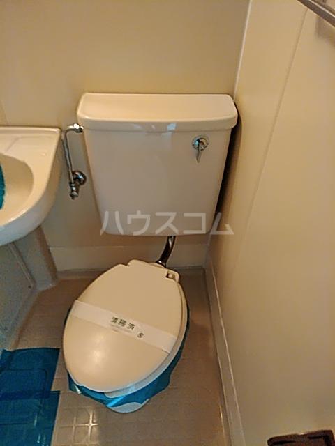 メゾン・ド・エポール 208号室のトイレ