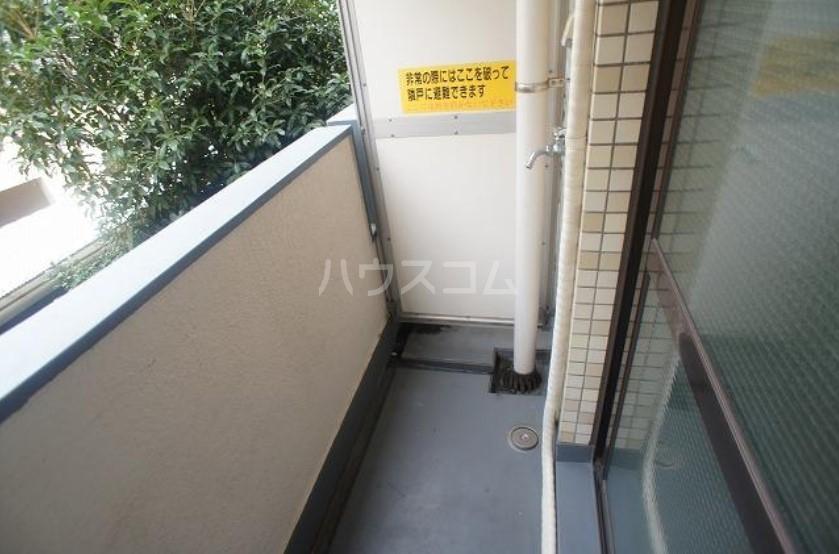 メゾン・ド・エポール 208号室のバルコニー