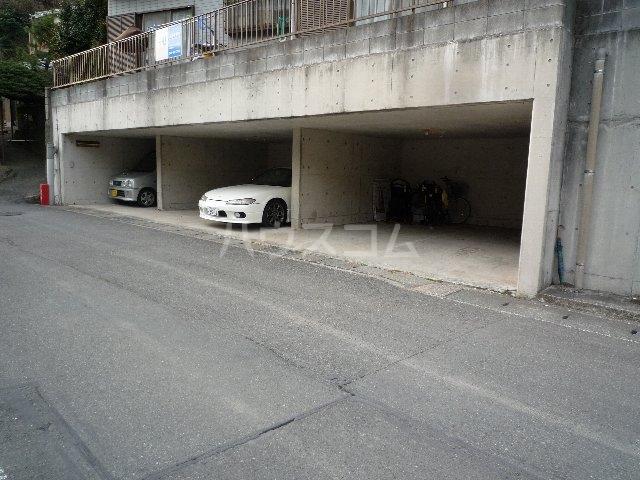 ハーベストマナー 104号室の駐車場