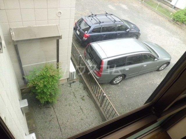 メゾン林間Ⅱ 201号室の駐車場