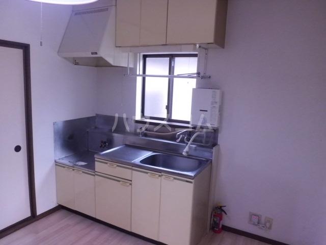 メゾン林間Ⅱ 201号室のキッチン