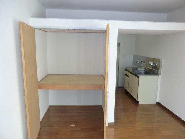 メゾンマルイシ 201号室の収納