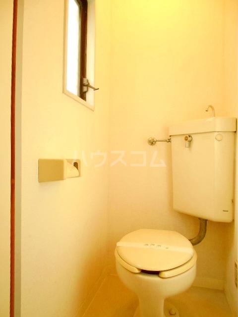 ハウスメモリアルⅠ 101号室のトイレ