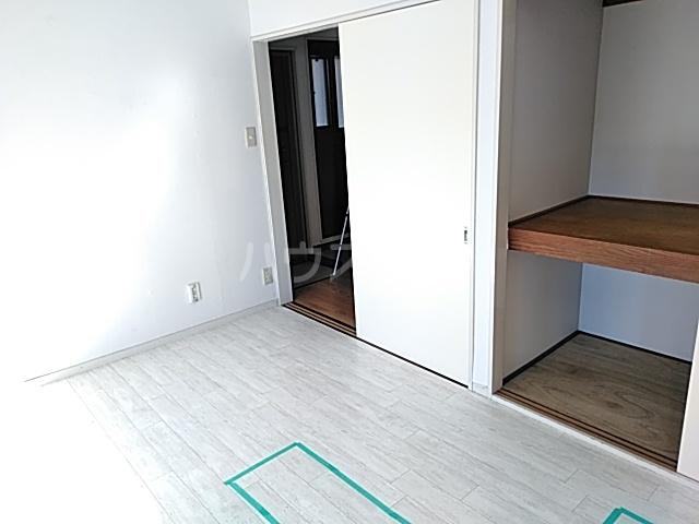 ハウスメモリアルⅠ 103号室の居室