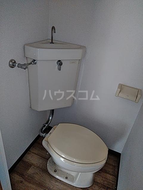 ハウスメモリアルⅠ 103号室のトイレ