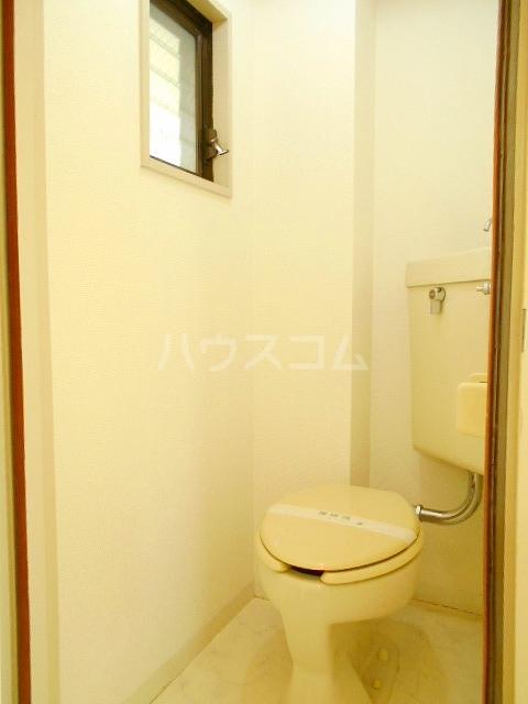 ハウスメモリアルⅠ 201号室のトイレ