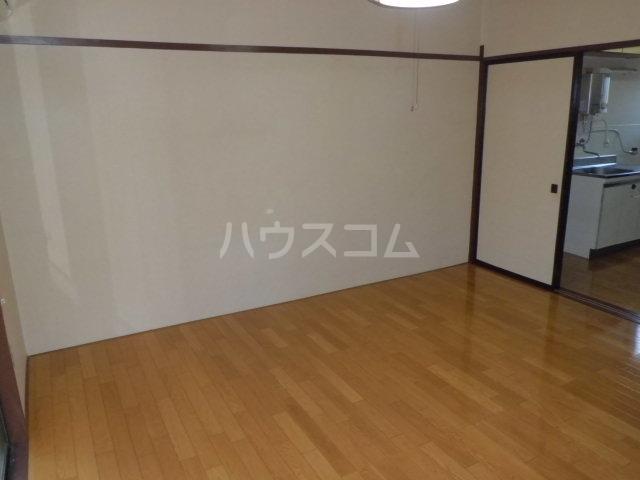 三樹ハイツ島野 105号室の玄関