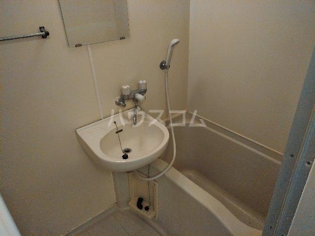 ハイツヤマクラ 202号室の風呂