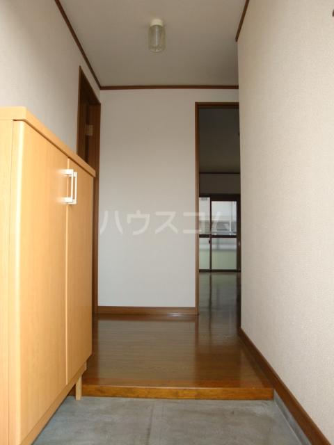 プルミエール浅岡 303号室の玄関