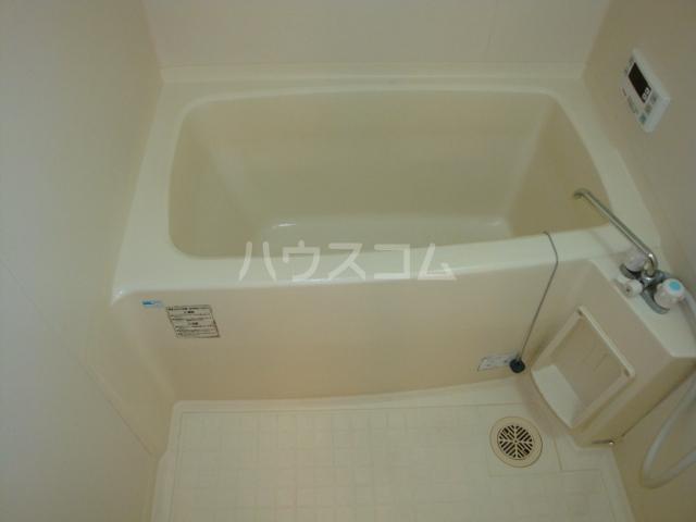 プルミエール浅岡 303号室の風呂