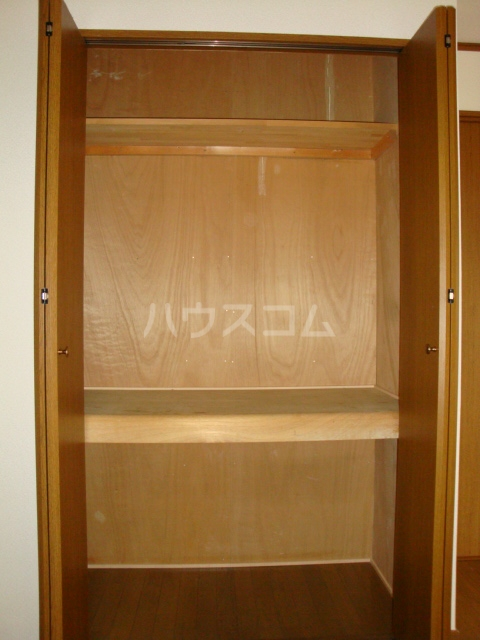 プルミエール浅岡 303号室の収納