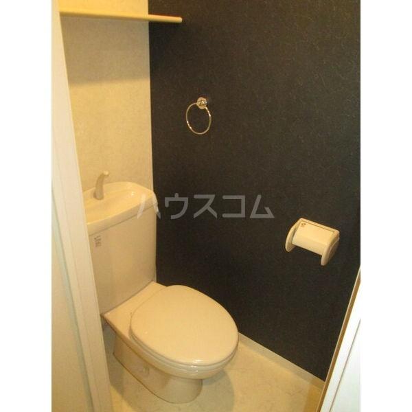 クレフラスト広川A棟 202号室のトイレ