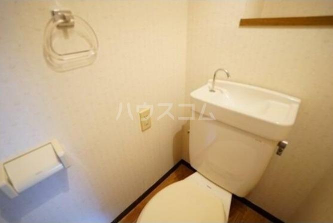 コンフォール桜新町 101号室のトイレ