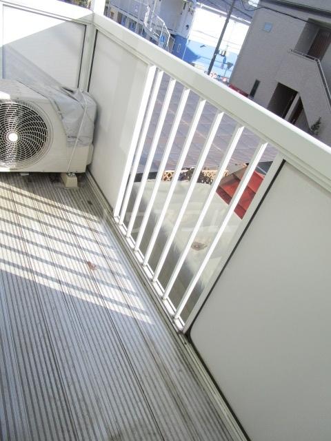 サンフィールド・トウマ 201号室のバルコニー