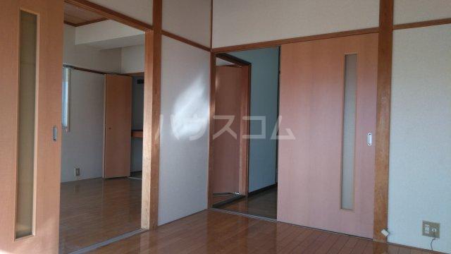 高井ハイツ 406号室の居室