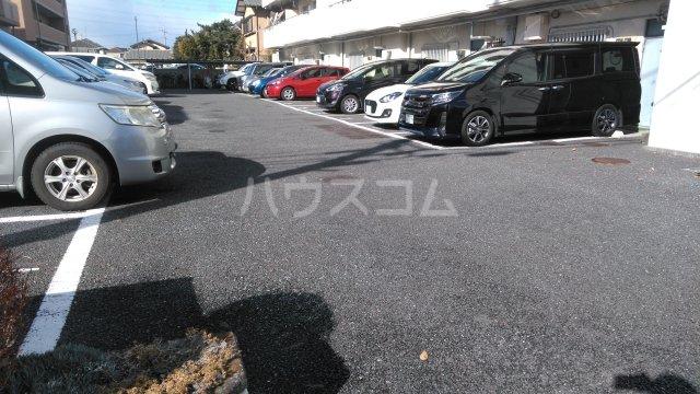 高井ハイツ 406号室の駐車場