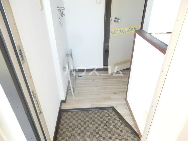 ユーカリコーポB 201号室の玄関