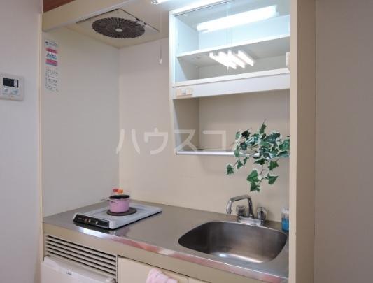 クリーンライトマンション 105号室のキッチン