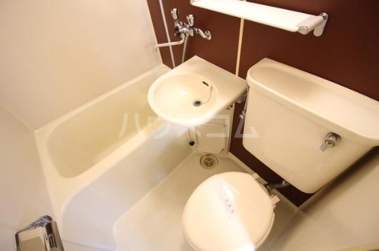 クリーンライトマンション 105号室のトイレ