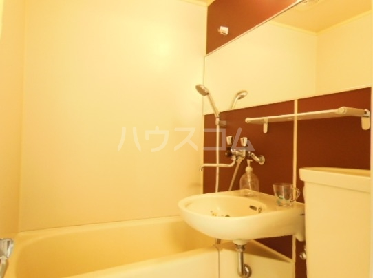 クリーンライトマンション 105号室の洗面所
