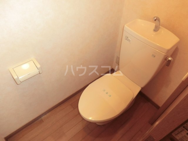 パーシモンヒルズ 206号室のトイレ