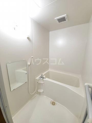 スカイパレス山之手 102号室の洗面所