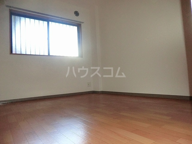 ファミーユ中山 203号室のベッドルーム
