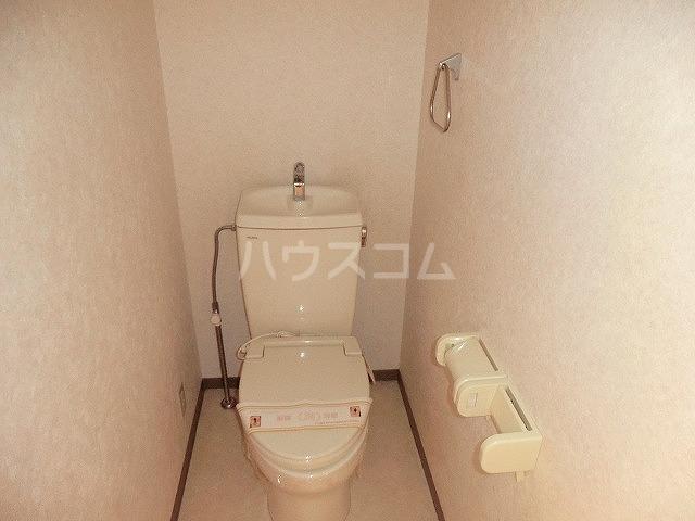 ファミーユ中山 203号室のトイレ