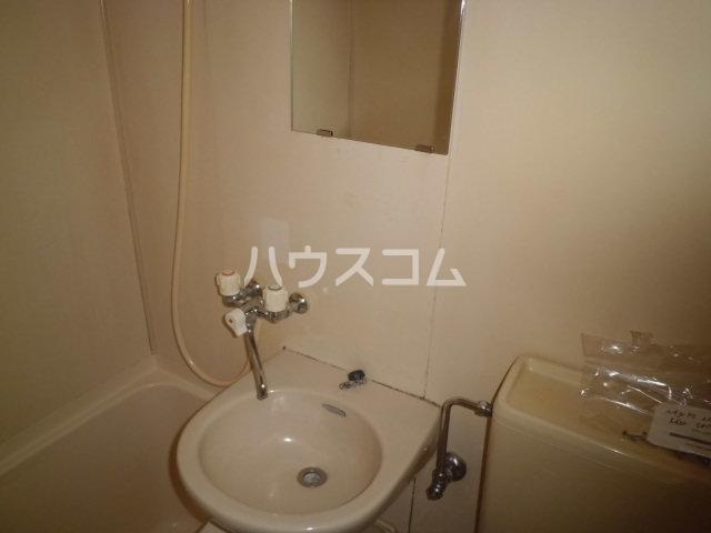 ハイツMⅢ 202号室の洗面所